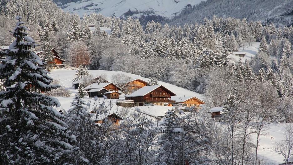 """La station"""" Les Diablerets"""", un village traditionnel où il fait bon vivre, de belles pistes et un petit train de montagne pour y accéder. (Crédit photo André Degon)"""
