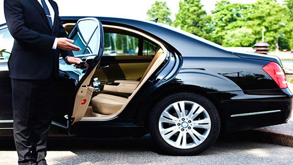 Marcel  met à disposition de ses clients des vans spacieux, capables d'accueillir des groupes, ainsi que des berlines luxueuses.(Crédit photo www.marcel.cab)