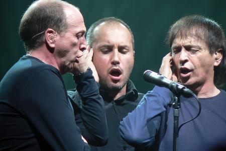 I Muvrini : de gauche à droite : Alain Bernardini, Stéphane Mangiantini et le leader du groupe Jean-François Bernardini (Crédit photo DR)