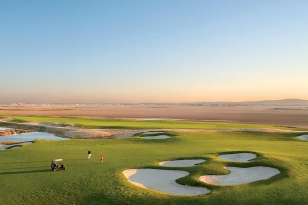 En 2017, l'ouverture d'un troisième golf dessiné par l'architecte français Michel Gayon, situé à Raoued à seulement 5 km de l'hôtel offrira encore de nouvelles perspectives aux visiteurs. (Crédit photo DR)