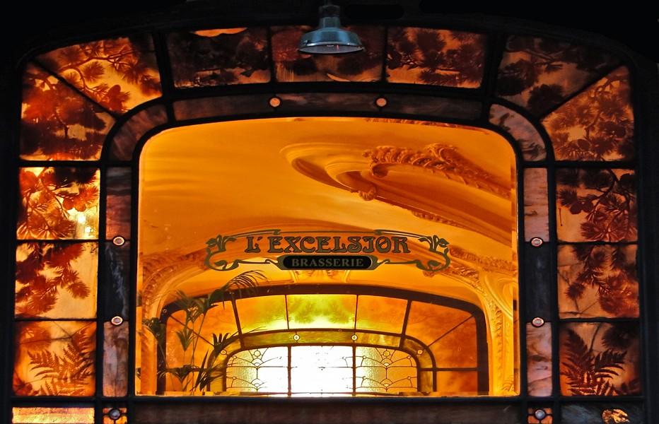 L'entrée de la Brasserie l'Excelsior à Nancy   .© DR