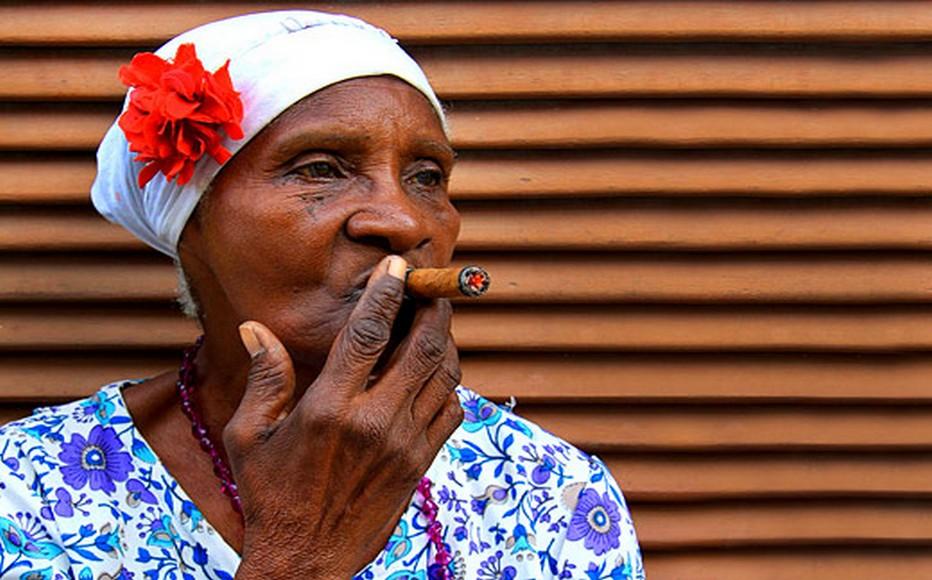 Cuba sans cigares.... Non !!! Quelle femme magnifique.  © DR