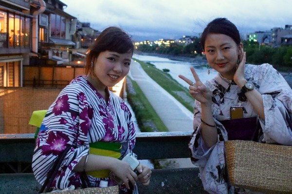 Touristes tawainaise et chinoise en habits traditionnels japonais; © Mathis Cros