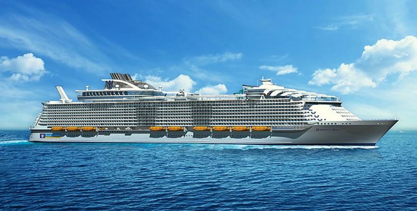 Harmony of the Seas, le plus grand navire de croisière du monde actuellement en construction dans les chantiers navals de Saint-Nazaire. Inauguration prévue au printemps 2016. (Crédit photo DR)