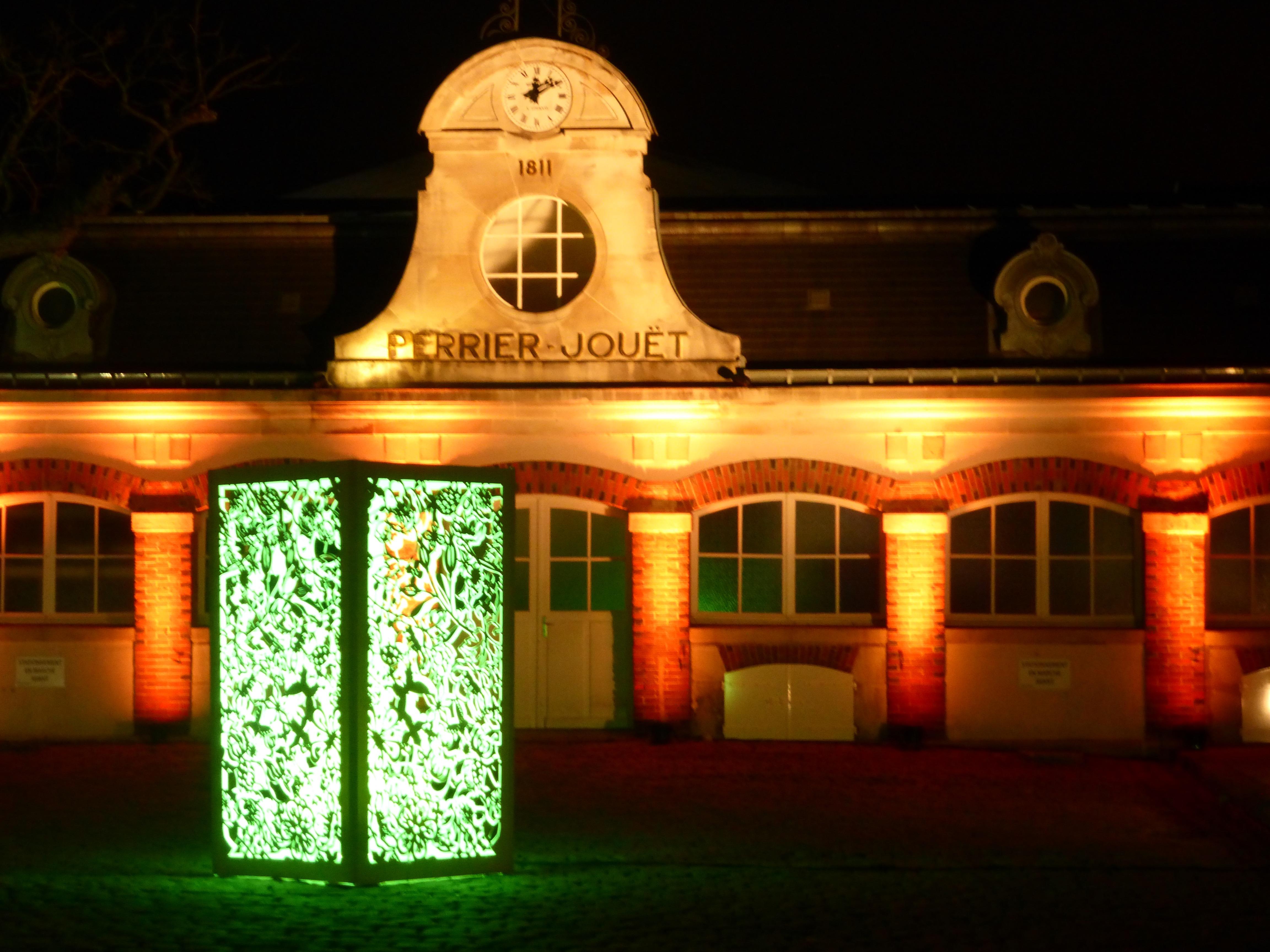 Du 11 au 13 décembre dernier, Epernay a revêtu ses Habits de Lumière pour un évènement majeur :  l'Unesco vient de classer les Coteaux, Maisons et Caves de Champagne au Patrimoine mondial de l'Humanité !  © Ville d'Epernay.