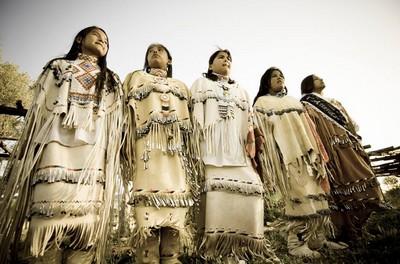 En Arizona, lors des manifestations  de nombreuses tribus sont représentées dont les Indiens Yavapai, Hopi, Dine' et Apache.© Arizona-tourisme