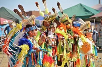 Lors des manifestations de magnifiques spectacles de danses Amérindiennes.© asu_pow_wow