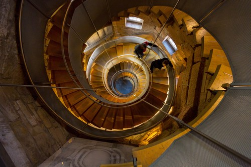 The Lighthouse dans Mitchell Lane, est l'un des premiers bâtiments conçus par Mackintosh. A l'origine il était destiné à accueillir les bureaux du journal Glasgow Herald. Il abrite désormais le Centre du Design et de l'Architecture d'Écosse, ainsi que le fascinant Centre d'Interprétation Mackintosh et la Mackintosh Tower, qui offre une vue panoramique de la ville.©www.visitscotland.com