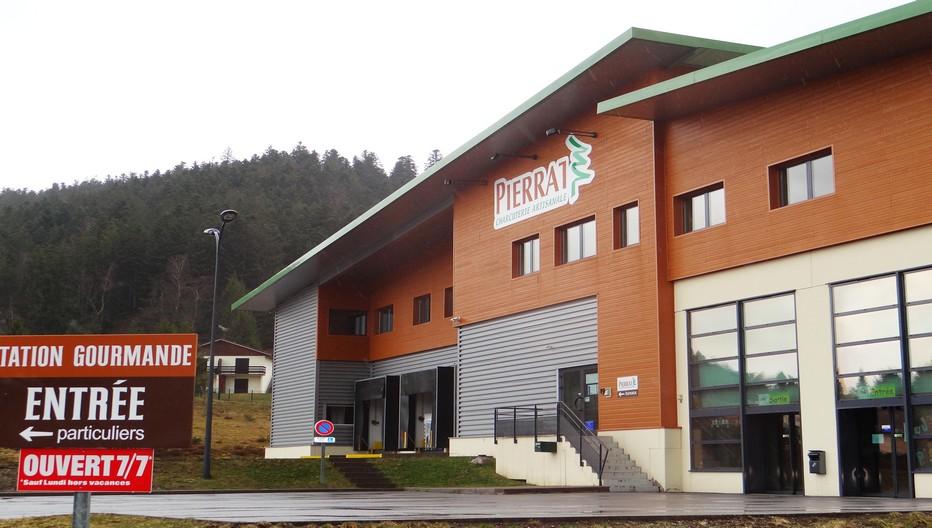 La société Pierrat est implantée sur le territoire de la commune de Le Tholy en bordure de la route conduisant à Gérardmer. © Bertrand Munier