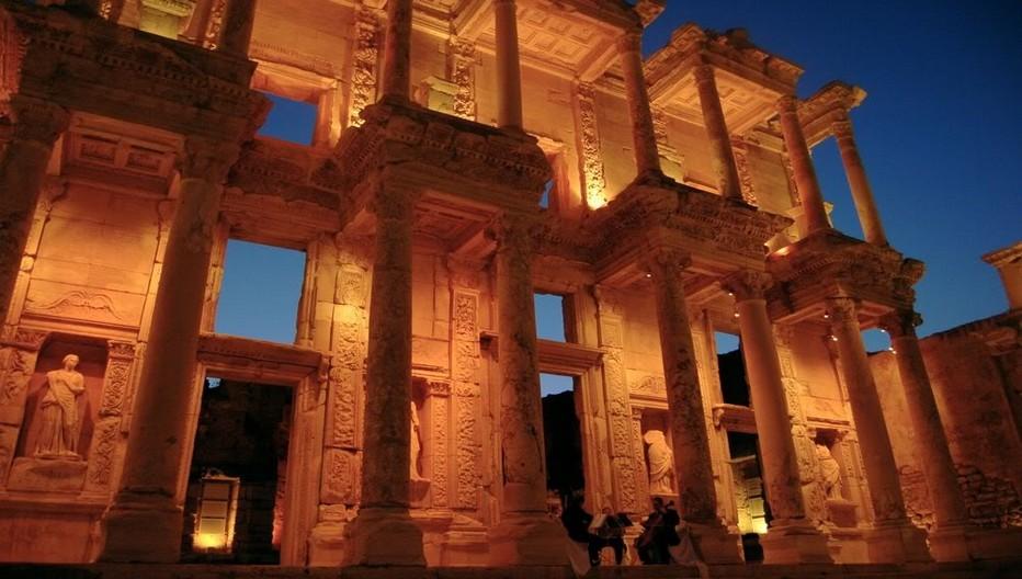 Éphèse, vestiges de la bibliothèque de Celsus... get.yourguide.fr