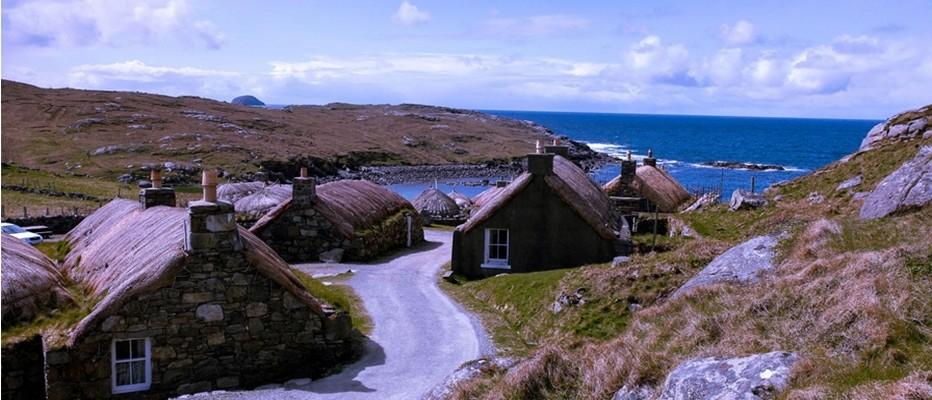 Garenin, le villages des Blackhouses © visitscotland.com