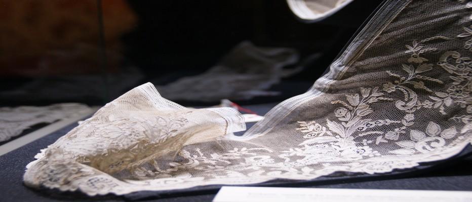 Exposition de la dentelle d'Alençon au Musée  des Beaux Arts et de la Dentelle © CDT Orne