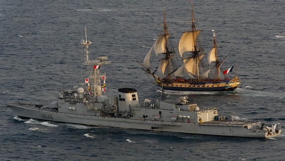 L'Hermione et la Marine Nationale . © OT Rochefort