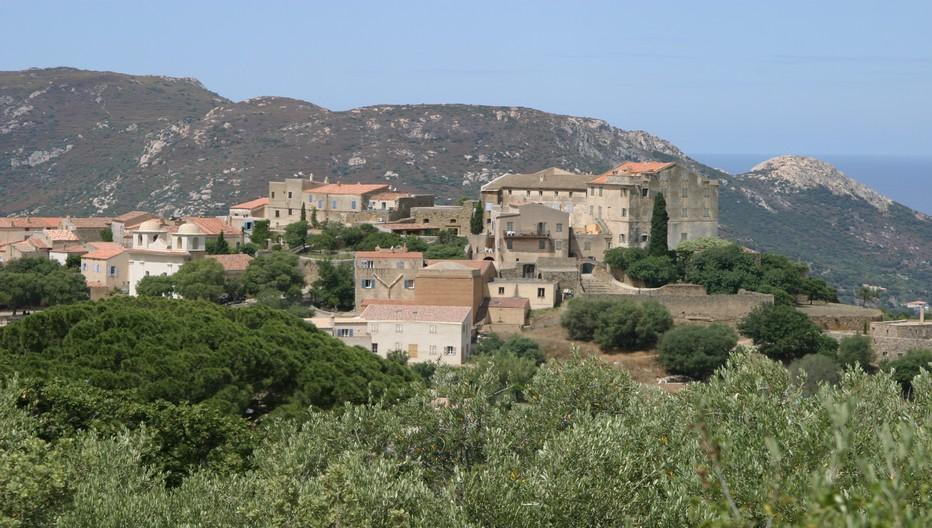 La Balagne, au nord-ouest de la Corse, est le Jardin de l'île de Beauté de par l'importance de sa production agricole et viticole. © Richard Bayon