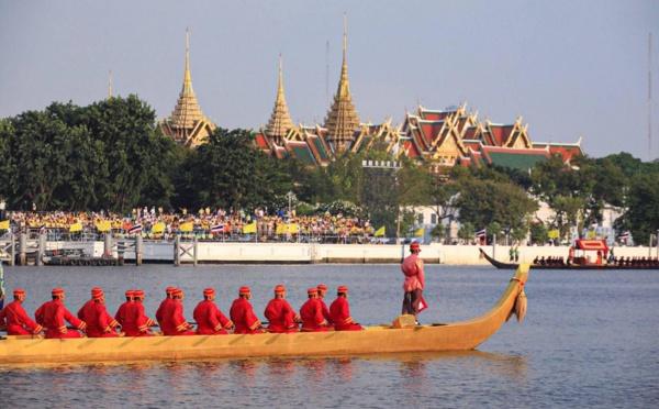 Thaïlande - Plein feux sur les barges royales
