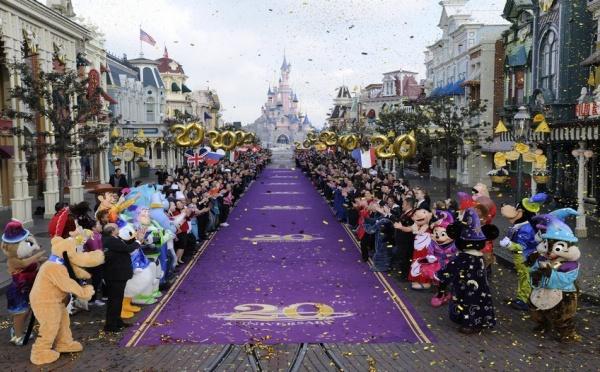 Vacances de Pâques  :   Disneyland Paris souffle ses 20 bougies