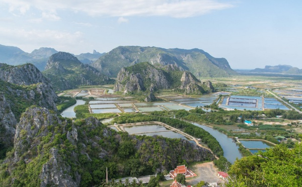 Focus sur .....Le parc  de  Khao Sam Roi Yot  - un voyage au centre de la terre