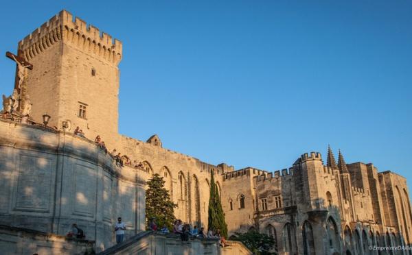 Dans l'esprit du festival découvrez Avignon autrement !
