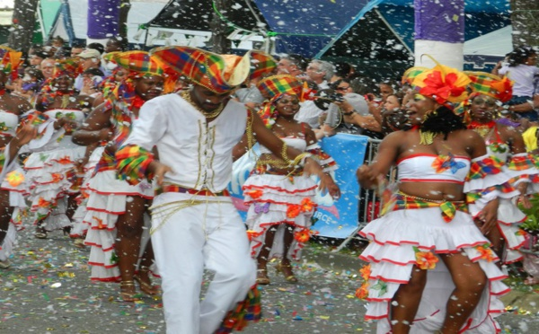 La Guyane aux couleurs et aux rythmes de son Carnaval.